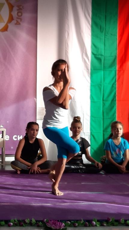 """Орел - Мария Христова на йога състезанието стил """"Асани"""" 2019г."""